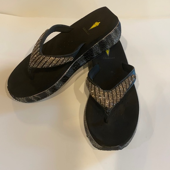 Volatile sparkly flip flops size 9